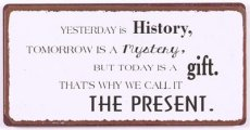 Magneet: Yesterday is history, tomorrow... EM5984